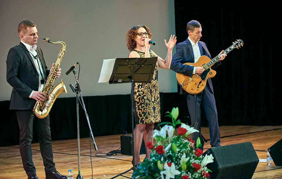 The Polish Ambassador and His Wife Hosted a Festive Concert for Christmas